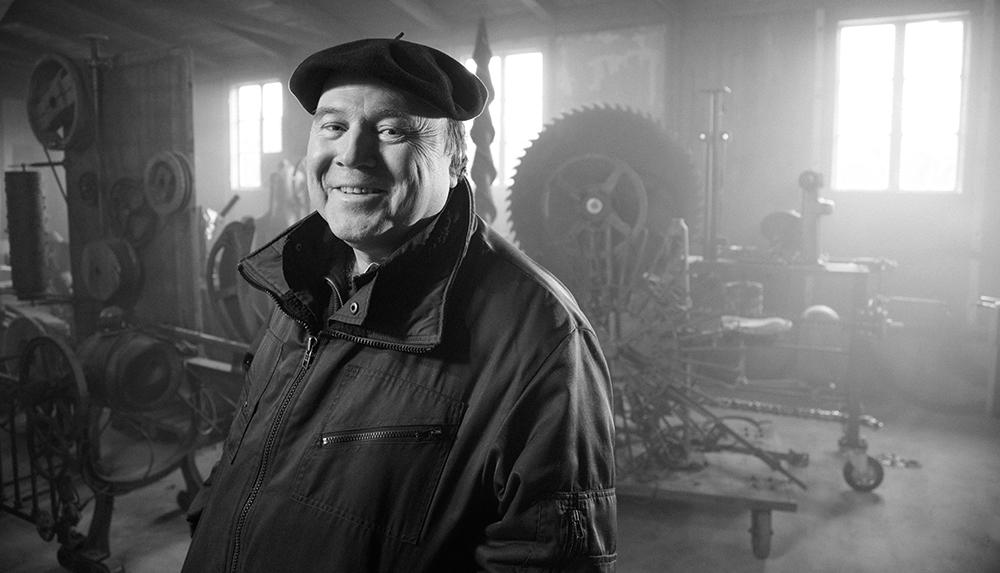 Willi Reiche in der Kunstmaschinenhalle, noch vor deren Eröffnung.